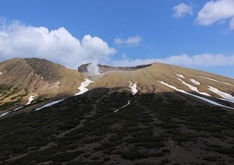 雌阿寒岳・阿寒富士(雌阿寒温泉コース)|初心者向け登山の定番(5月中旬)