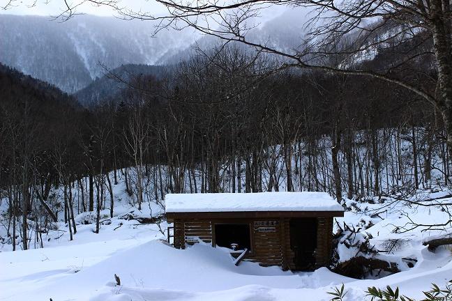 山小屋芽室岳