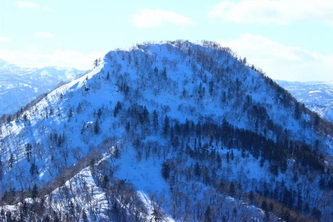 近くて遠い山、冬の烏帽子岳