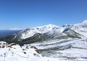 富良野岳(十勝岳温泉)|初冠雪の十勝連峰と表大雪の眺め(10月初旬)