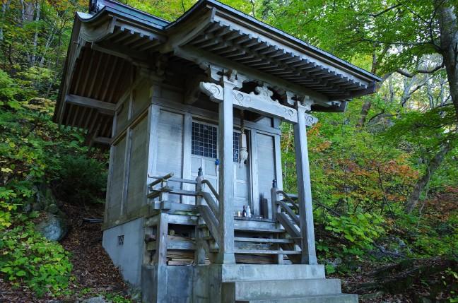 太田山神社中腹のお社