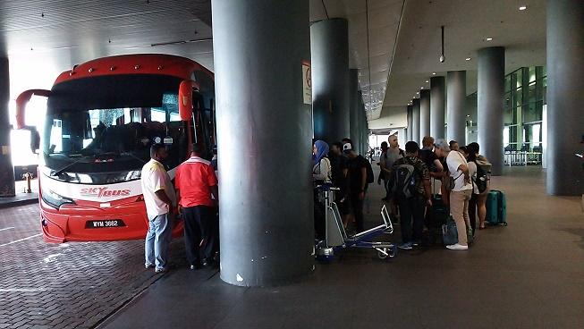 KLIA2バス乗り場