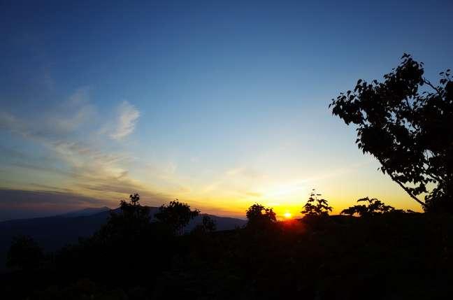斜里岳三井コースでの夜明け