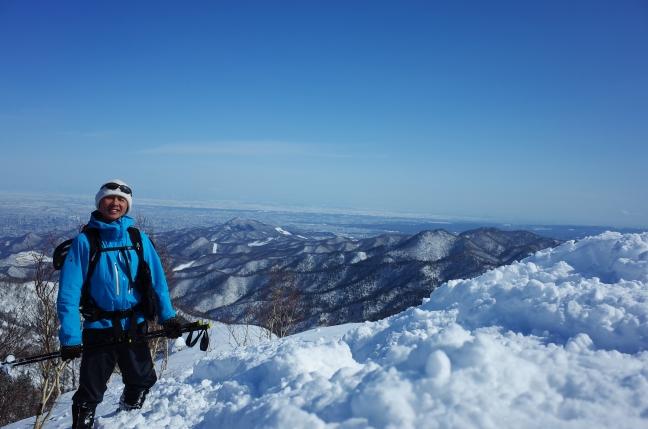 百松沢山雪山ハイク|南峰から烏帽子岳や無意根山の眺め(2月下旬)