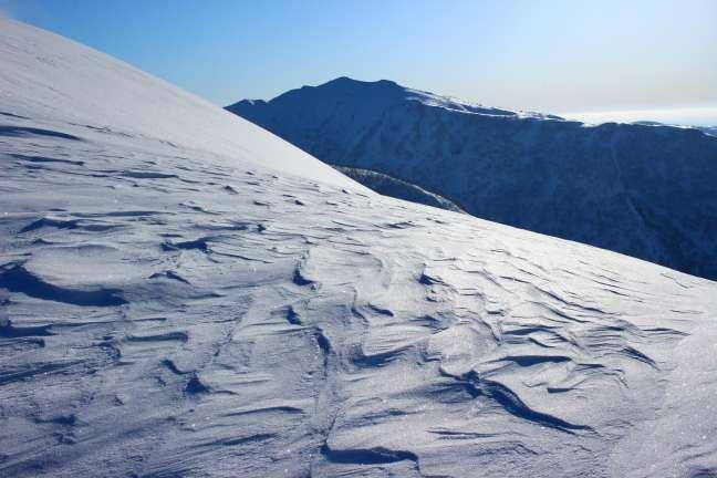 幌天狗への尾根から眺める奥徳富岳