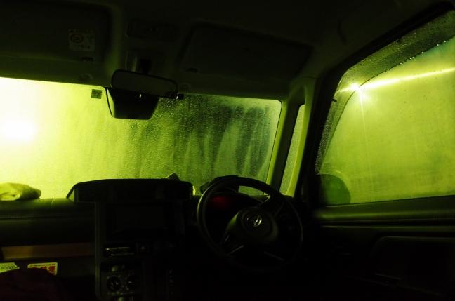 雨の車中泊