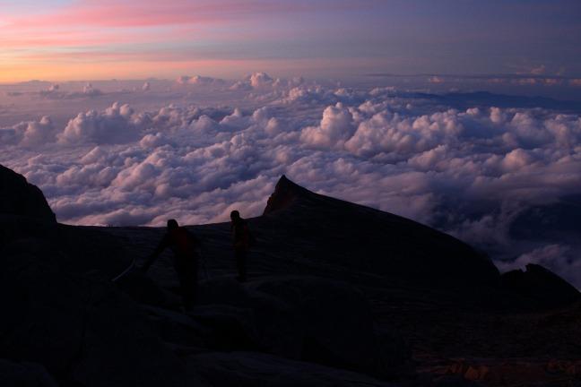 キナバル山雲海