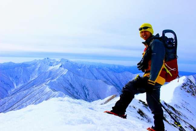 トヨニ岳南峰