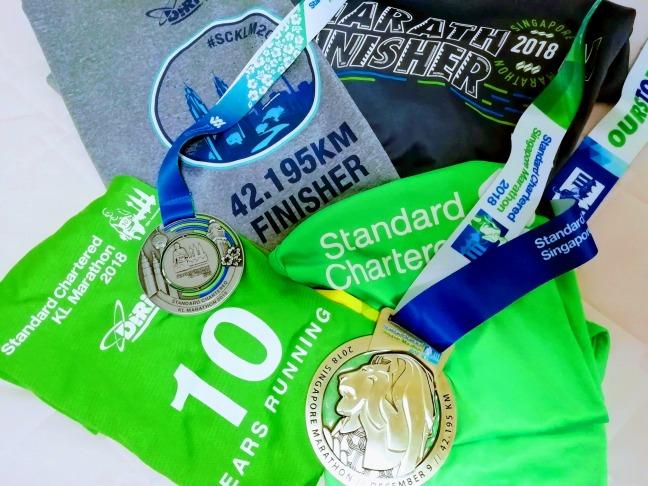 シンガポールマラソンとクアラルンプールマラソンのTシャツとメダル