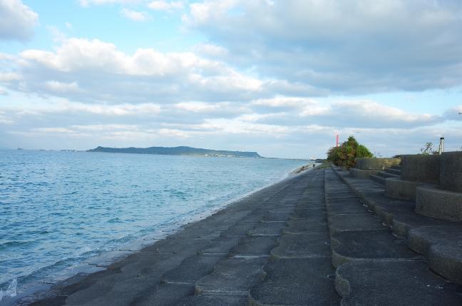 海中道路・浜比嘉大橋ランニング|沖縄の青い海を両側に見ながら(1月中旬)