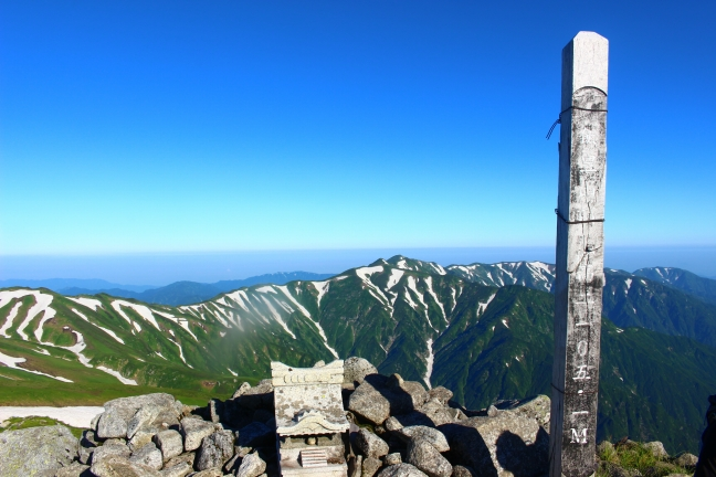 飯豊山 弥平四郎登山口から日帰りナイトハイクで大日岳へ(7月中旬)