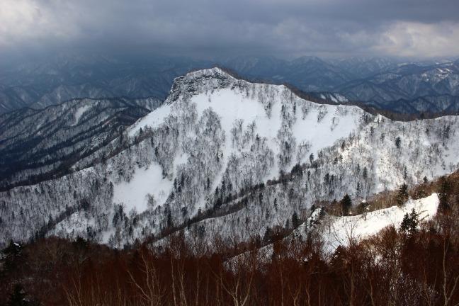 神威岳定山渓