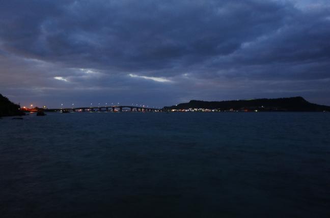 浜比嘉大橋と平安座島