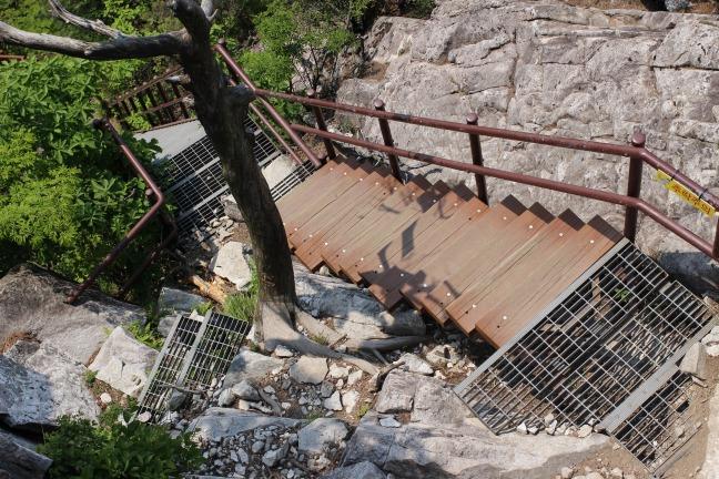 伽倻山上部の階段
