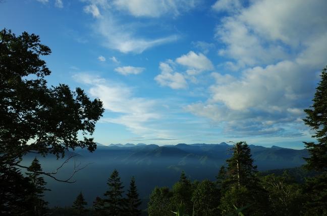 夜明け後の福島と栃木県境の峰々