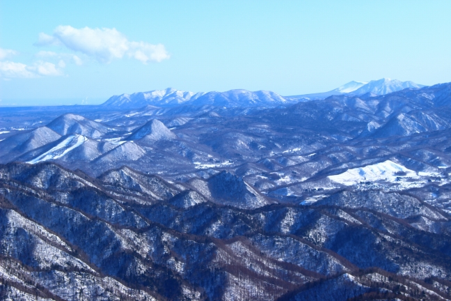 樽前山や風不死岳など支笏湖周辺の山々も