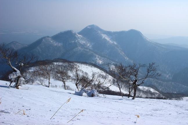 室蘭岳からカムイヌプリ