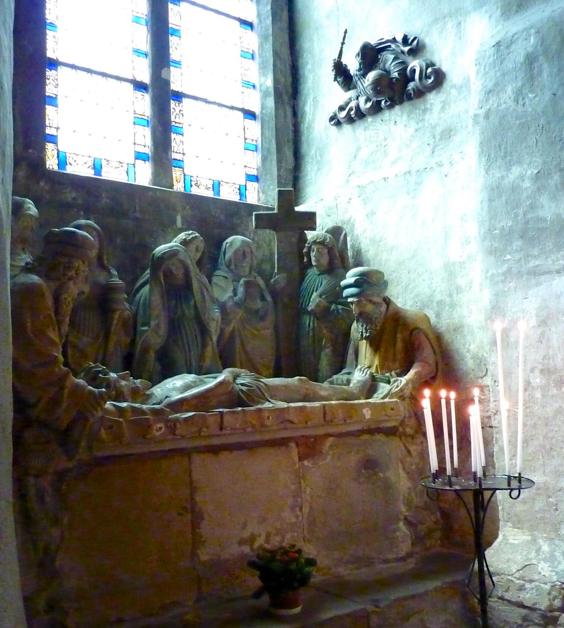 Mise au tombeau - pierre polychrome - XVe s.