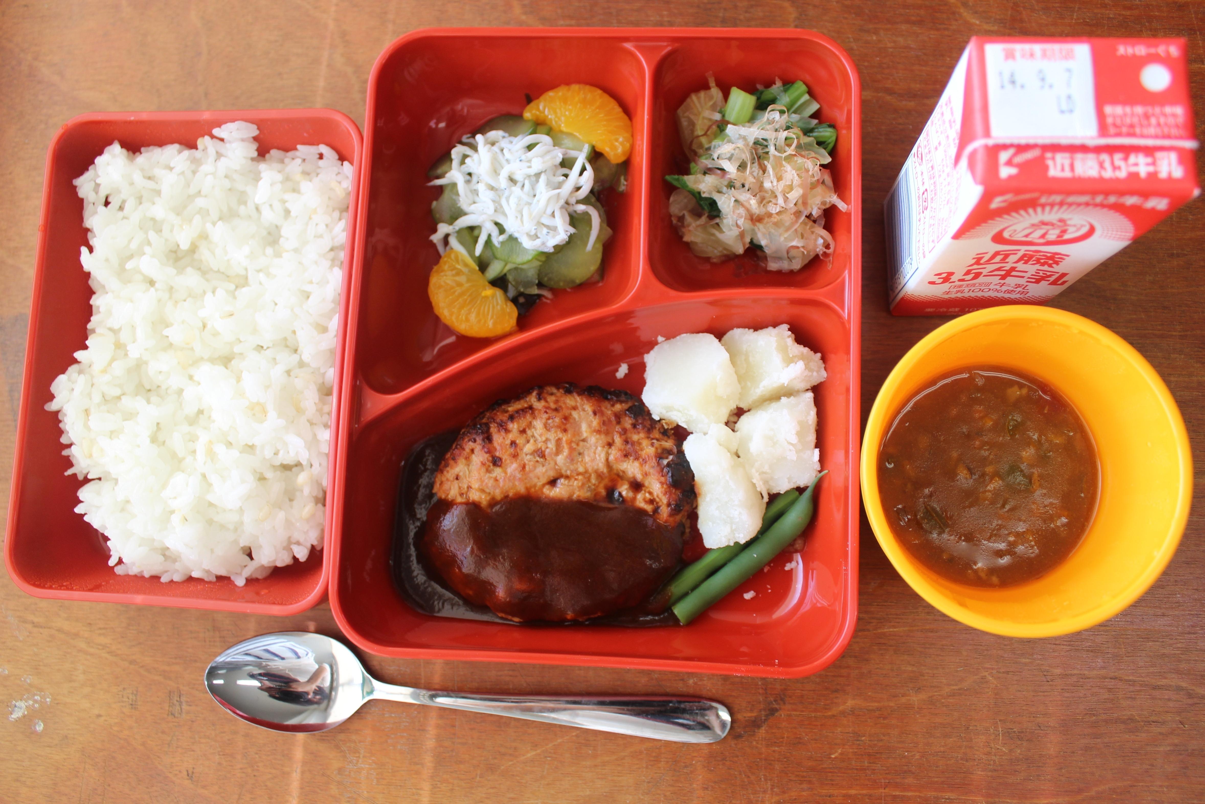 ボックスランチ方式の中学校給食
