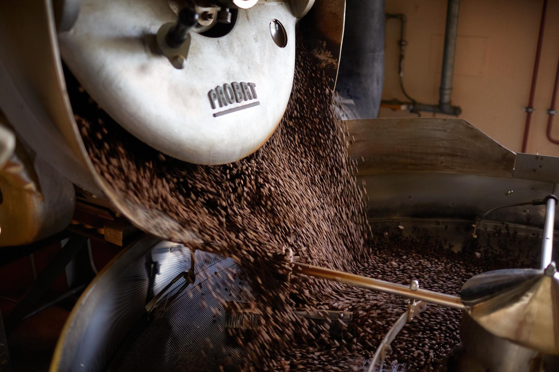 Rast Kaffee, rösten