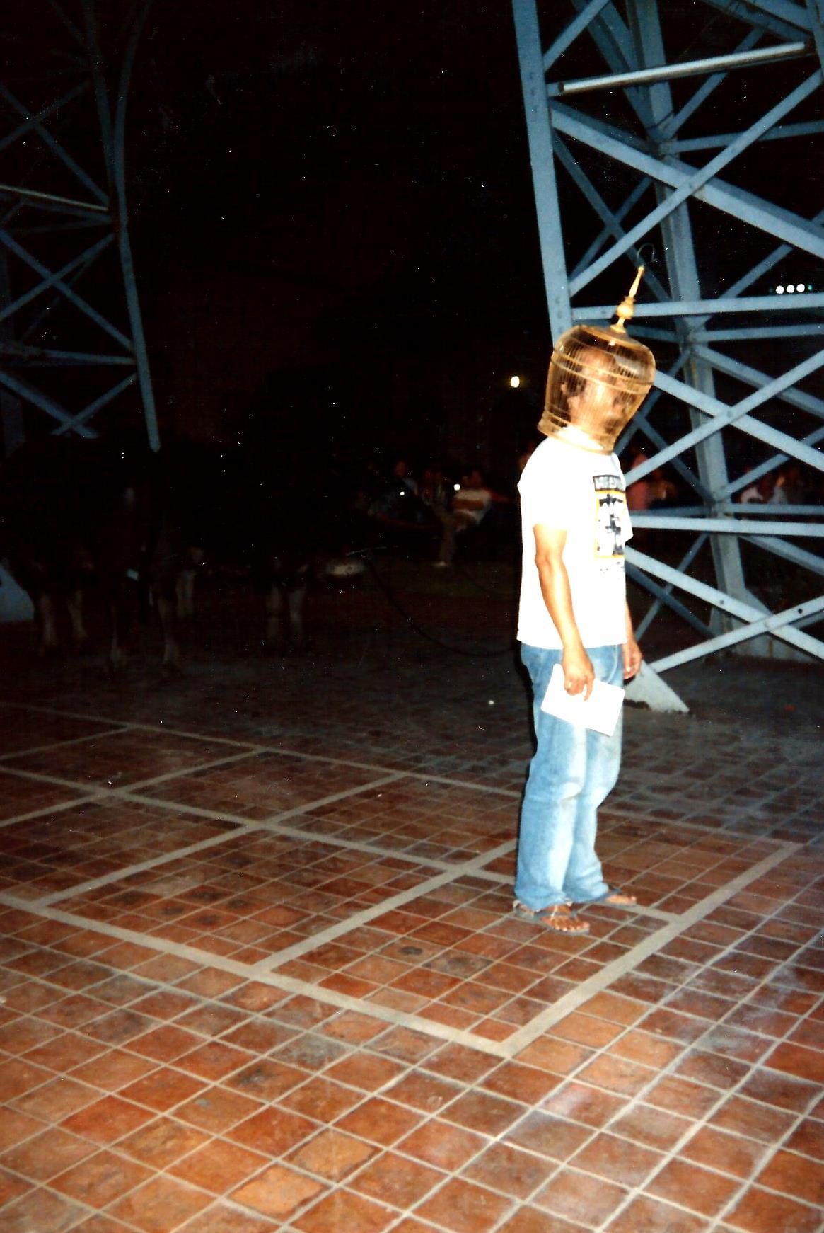 Pedro Meier Multimedia Artist – with Thai Artist friends – outer left Thai contemporary visual artist Vasan Sitthiket – Photo Around 1980 – Faculty of Arts, Silpakorn University Bangkok – Photo archive © Pedro Meier/ProLitteris