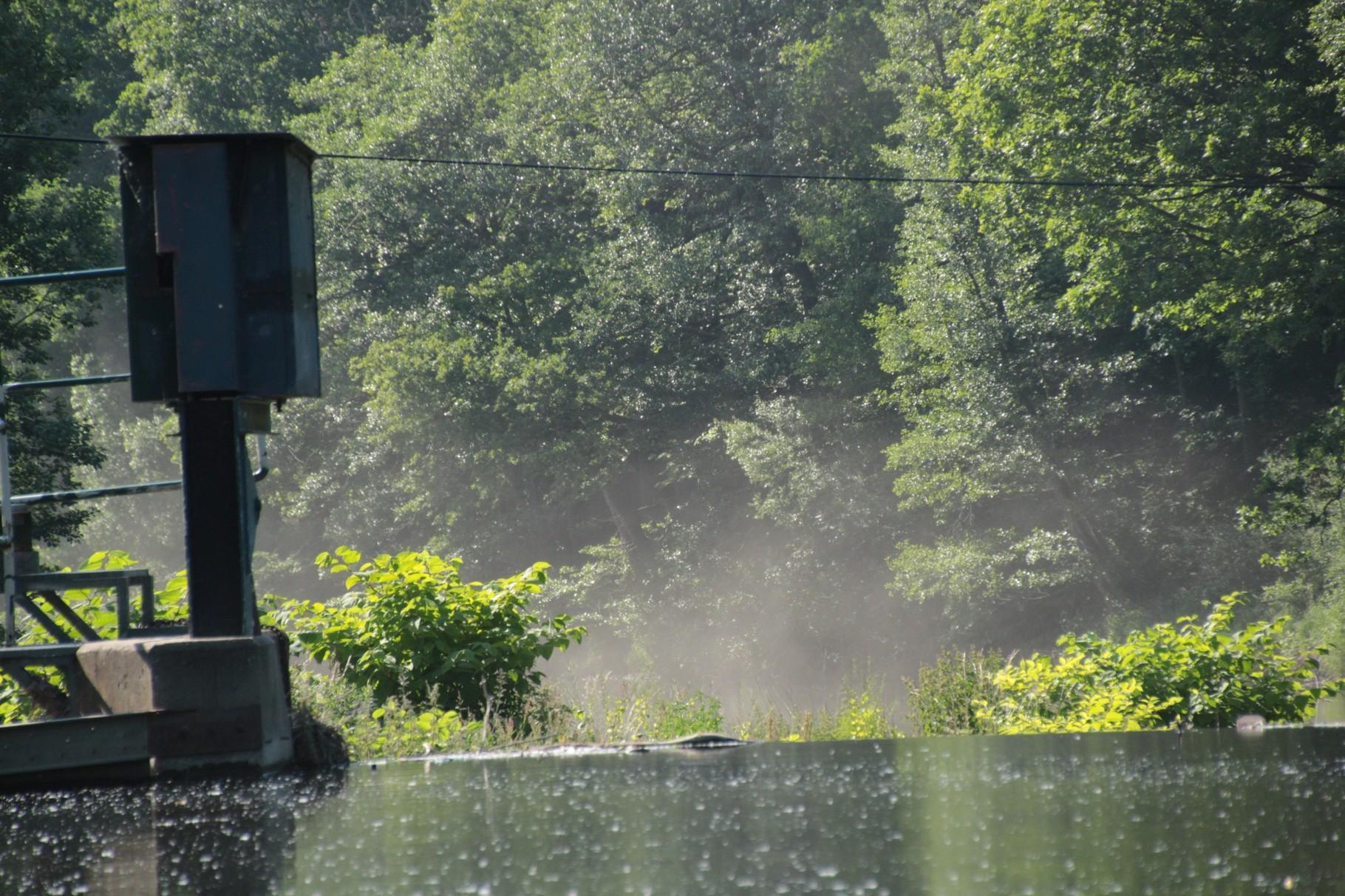 Wasser im Nebel