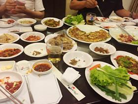 美味しそうな韓国料理が並んだのだが…