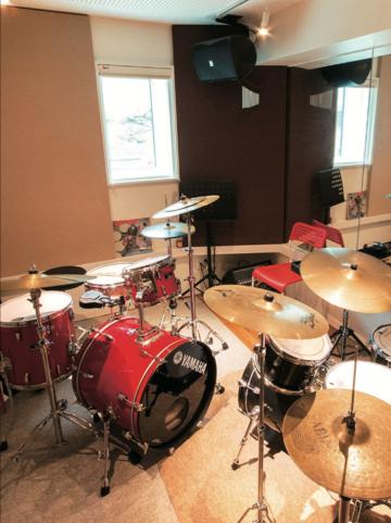 立川ドラム教室 furico.drum lesson フリコドラムレッスン ドラムセット2台キッズドラム完備