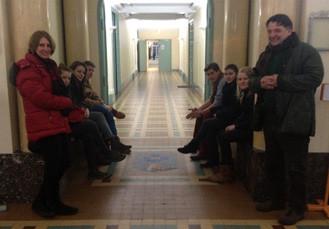 M et Mme Lucius-Clarke et les six lycéens allemands