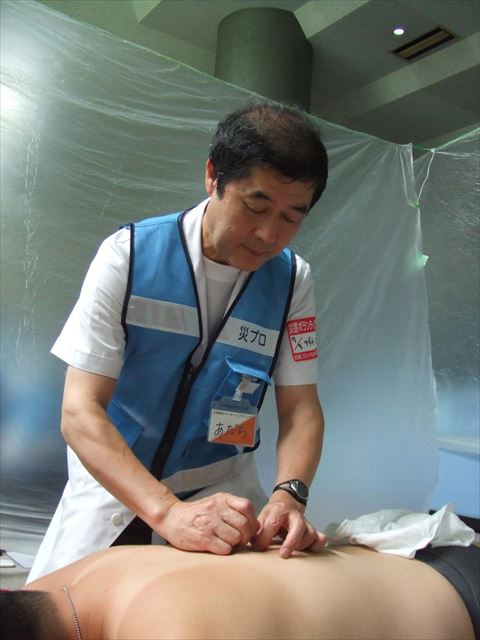 5年前の東日本大震災の際も参加の安達先生。 ‐構造改善センターにて