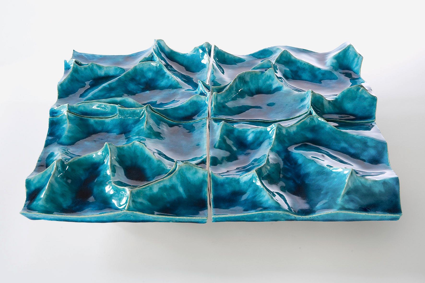 Aqua III, Keramik, glasiert, 8/65/65 cm