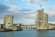 Ville de La Rochelle vieux port de La Rochelle Les deux tours de La Rochelle tours saint nicolas tour de la chaine