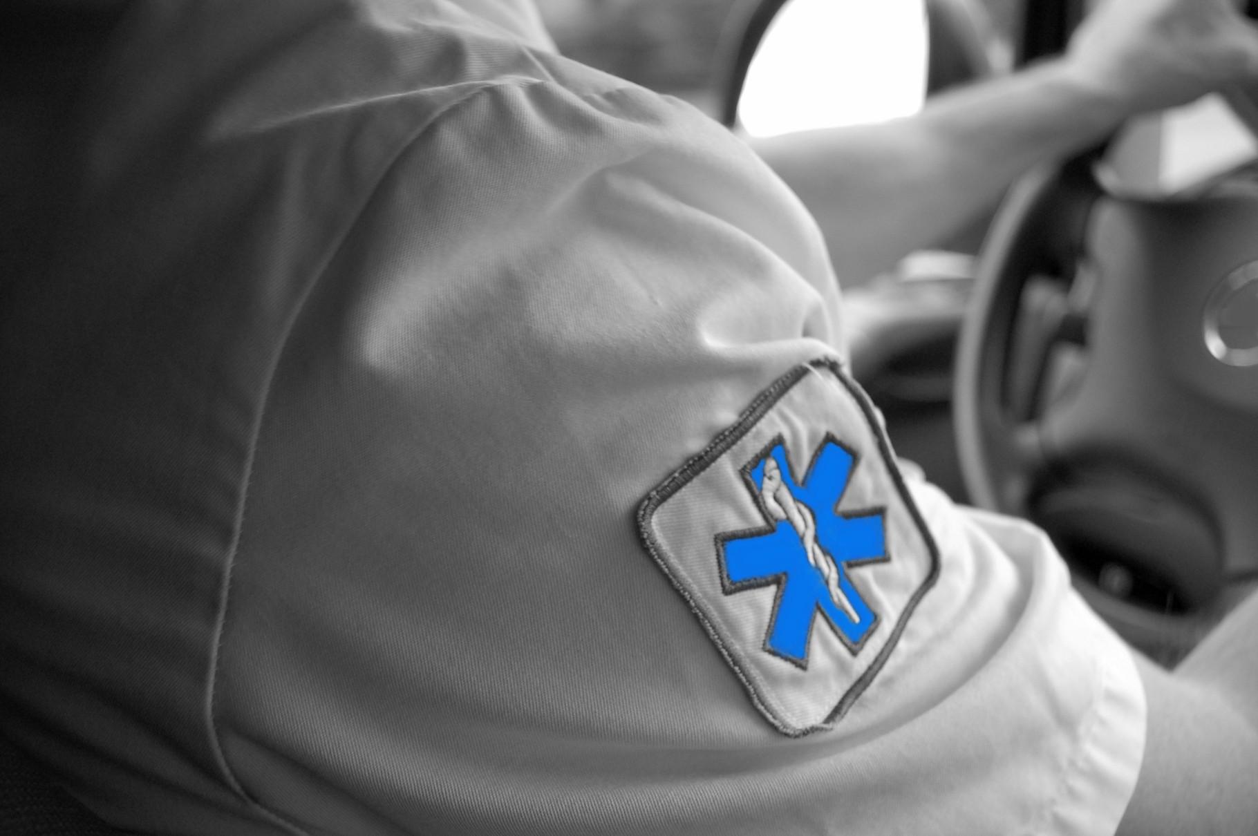 Textile, équipements et broderie croix de vie Ambulanciers