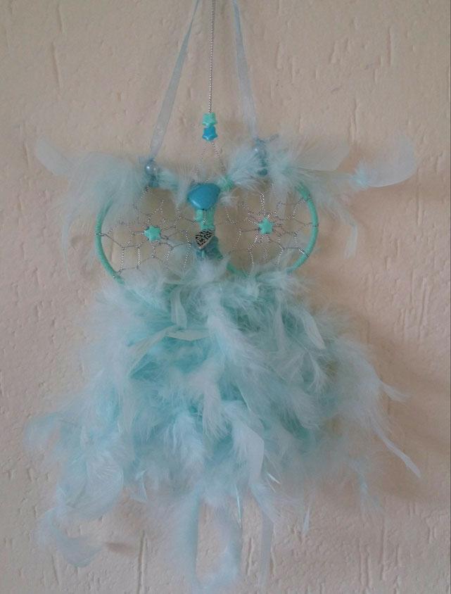 Lichtblauwe dromenvanger uil lief cadeautje voor de babykamer