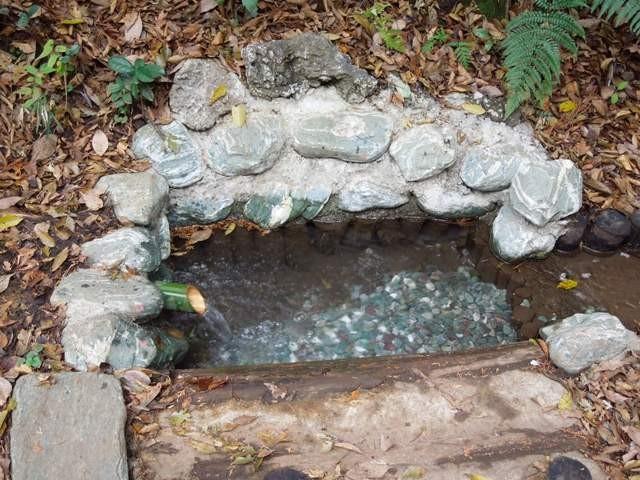 池の尻湧水(憩いの森)