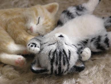 羊毛フェルト猫 茶とら白 さばとら白
