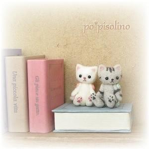 ミニチュアテディ 白猫(ピンクボタン)&アメショー(水色ボタン)