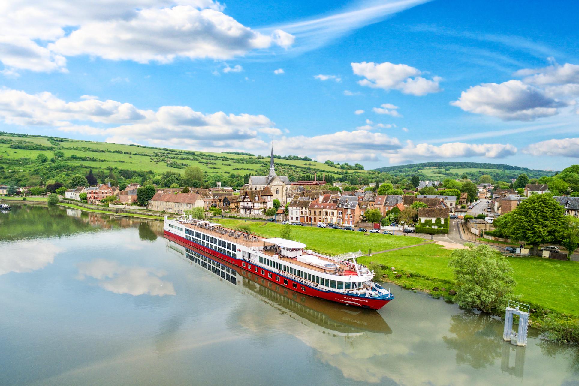 nicko cruises holt Georges Simenon auf Flusskreuzfahrt in Frankreich