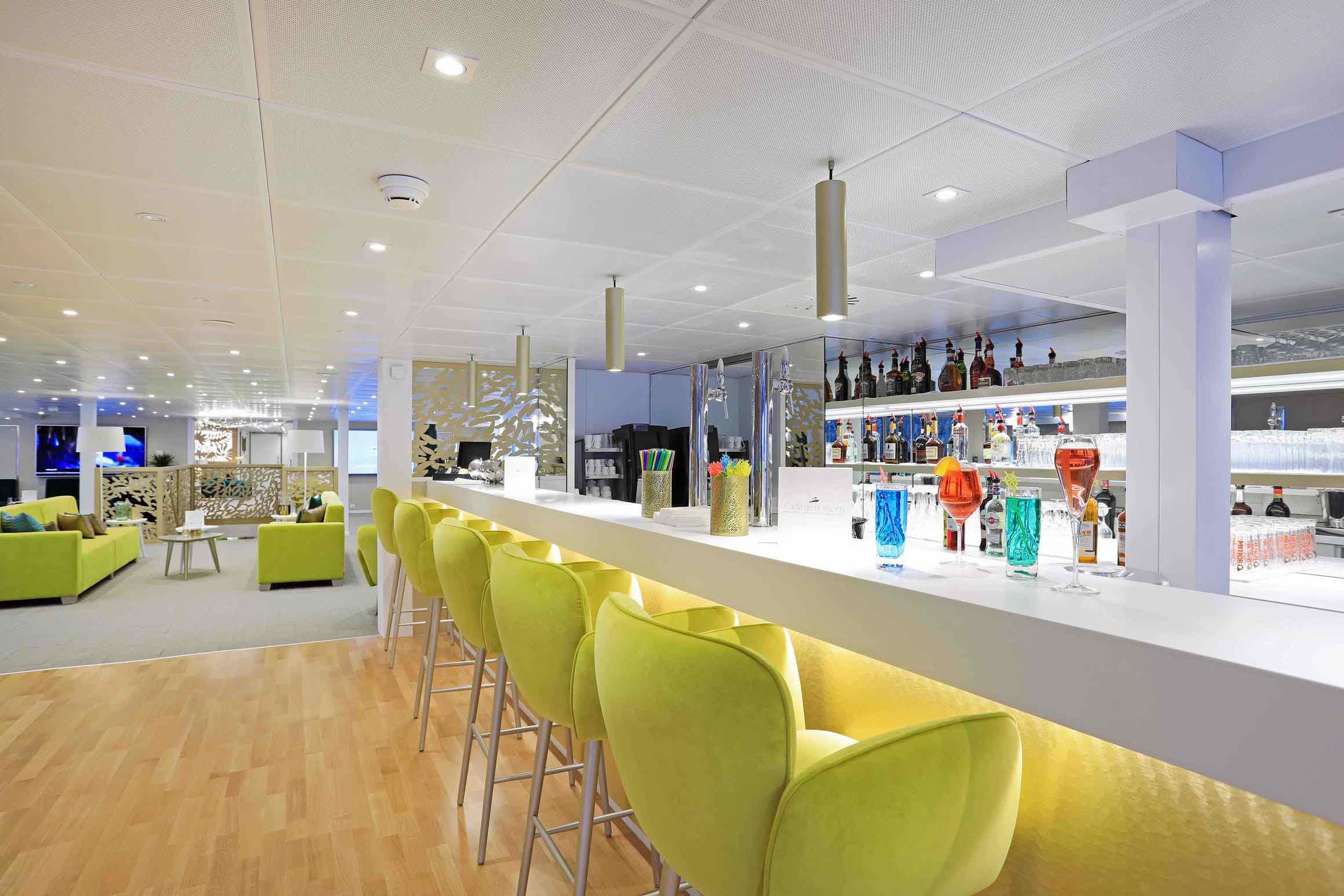 MS Elbe Princesse II Salon mit Bar