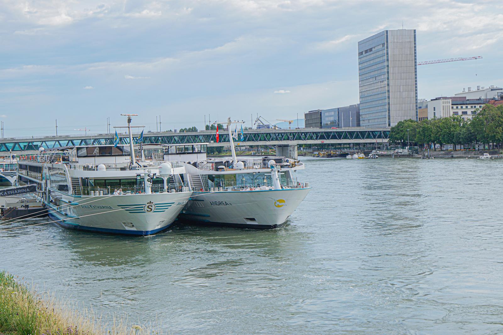 Phoenix Reisen stellt neuen Katalog ,,Fluss und Küsten 2022'' vor