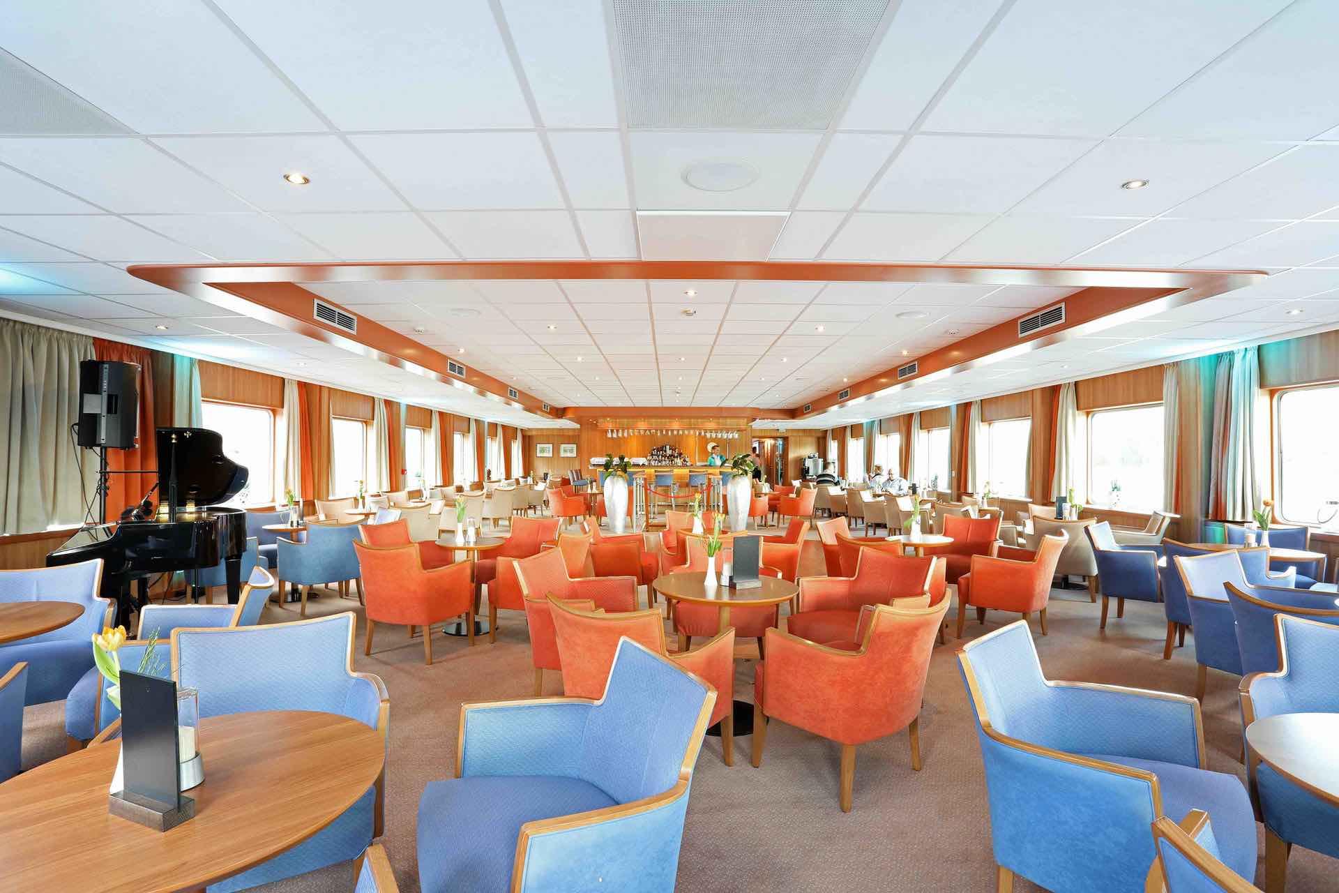 MS Junker Jörg Panorama Lounge