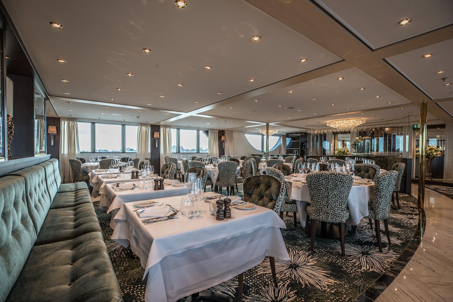 MS Geoffrey Chaucer Panorama Restaurant