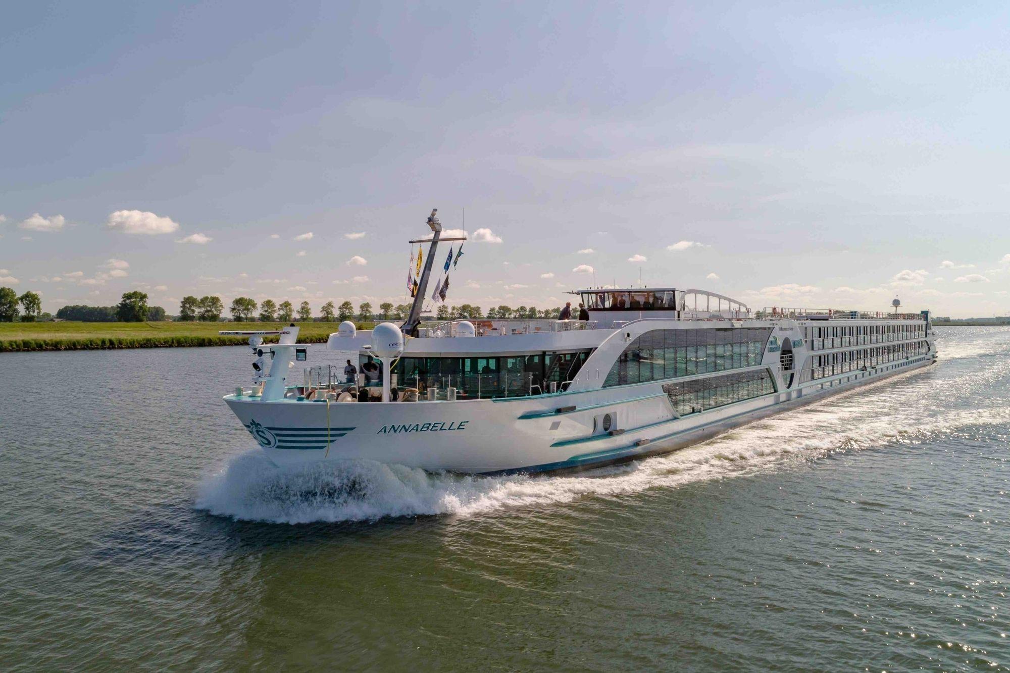 Phoenix Reisen-Neubau MS Annabelle geht auf Testfahrten