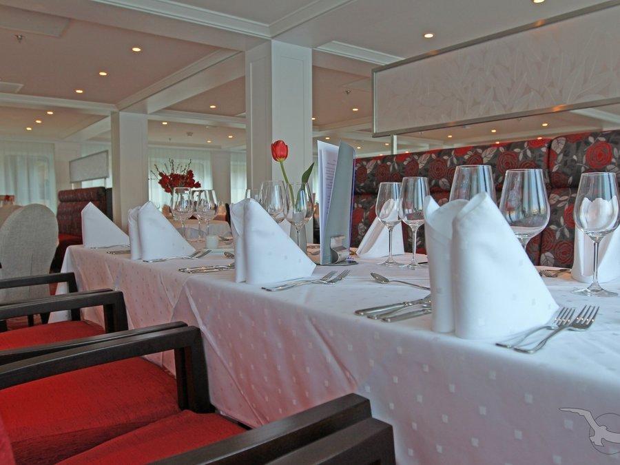 MS Ariana Panorama Restaurant
