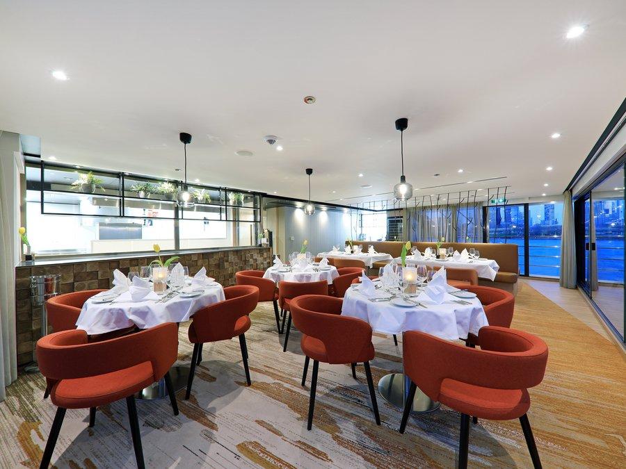 MS Adora Spezialitäten Restaurant