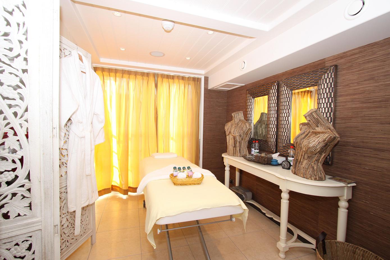 AmaLyra Massage Salon