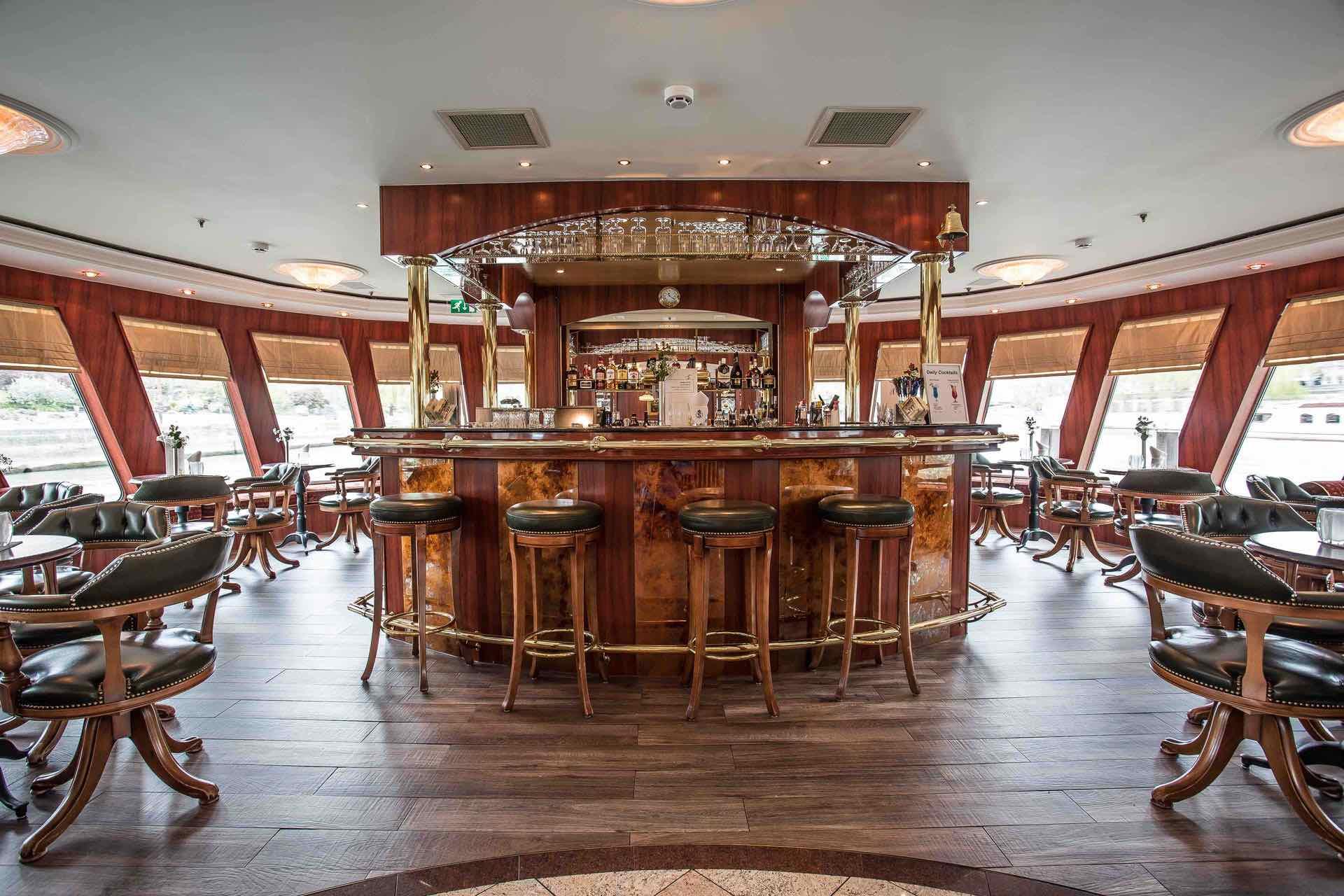 MS Swiss Ruby Panorama Lounge