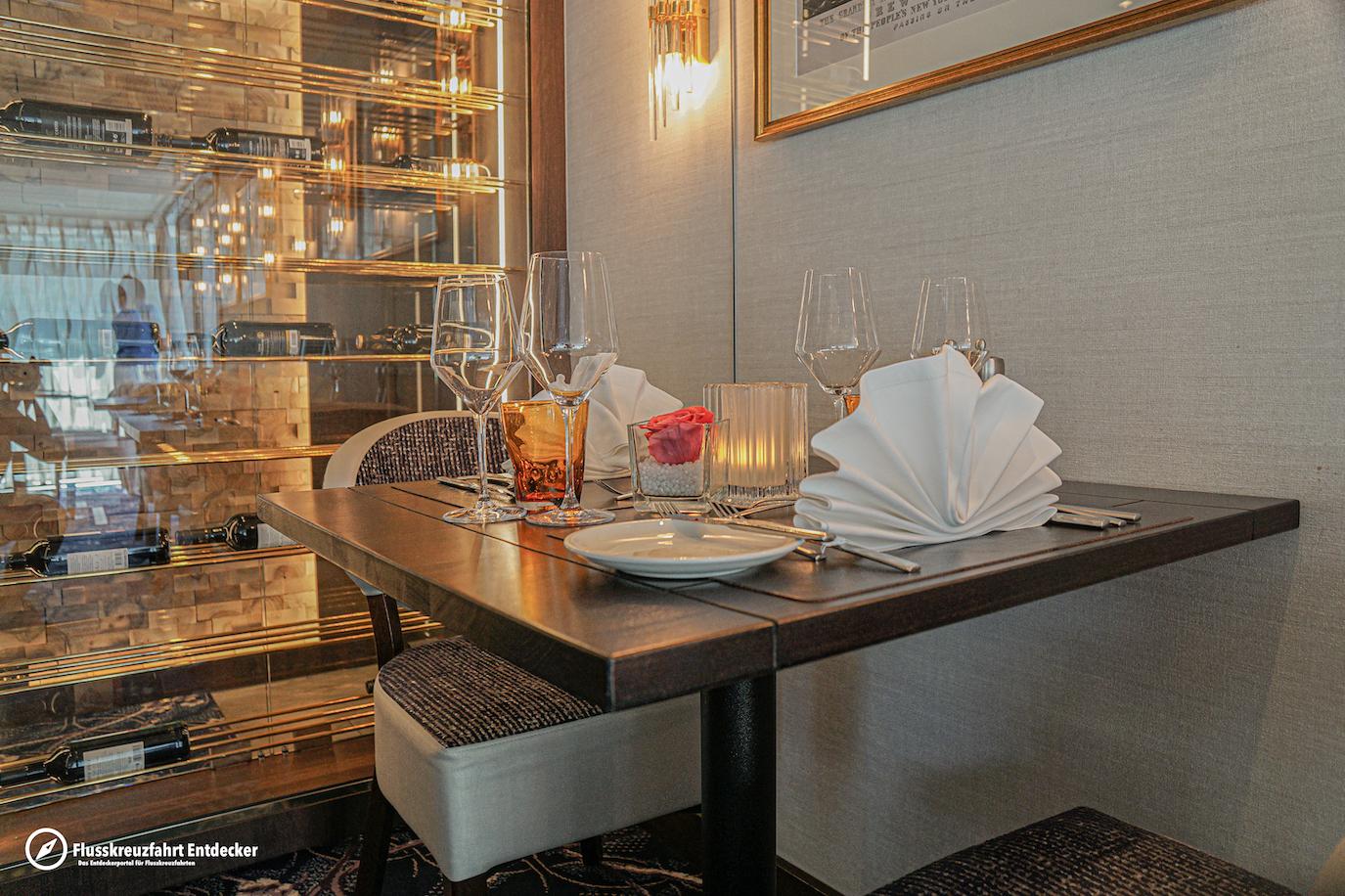 MS VIVA MOMENTS Spezialitäten Restaurant