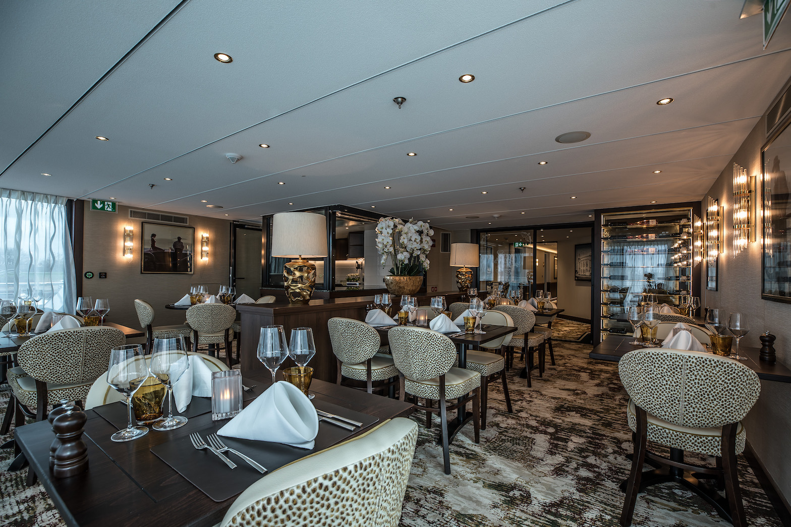 MS Geoffrey Chaucer Spezialitäten Restaurant