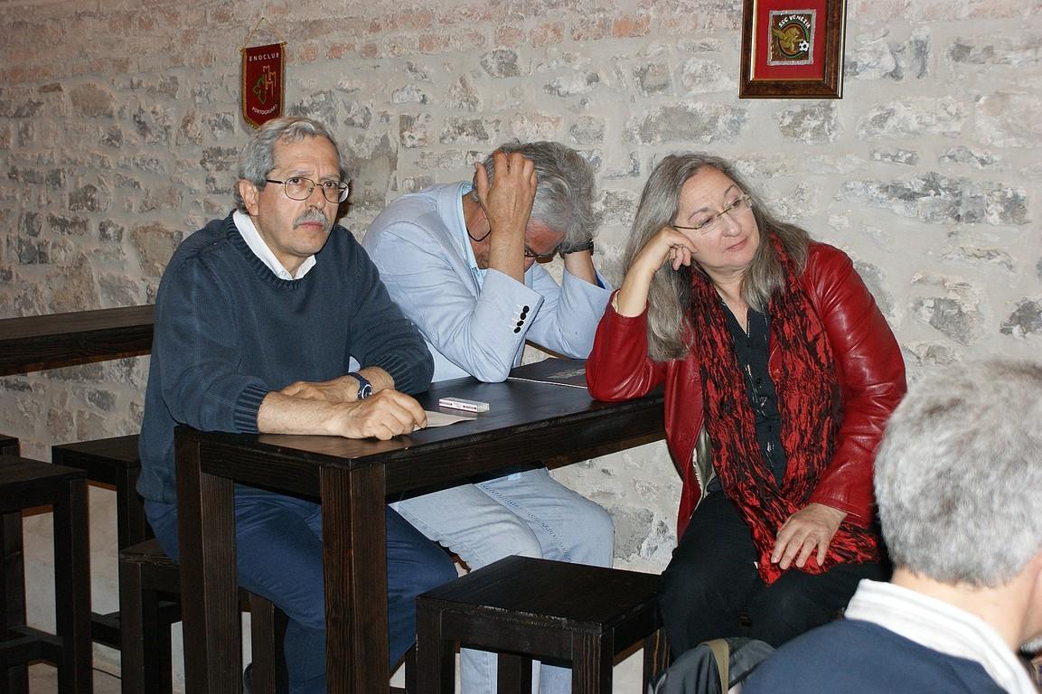 Incontro dei poeti nella Cantina della Tenuta Ca' Corniani per la firma del Manifesto di Caorle: G. Colangelo, A. Debernardi, M. Moretti